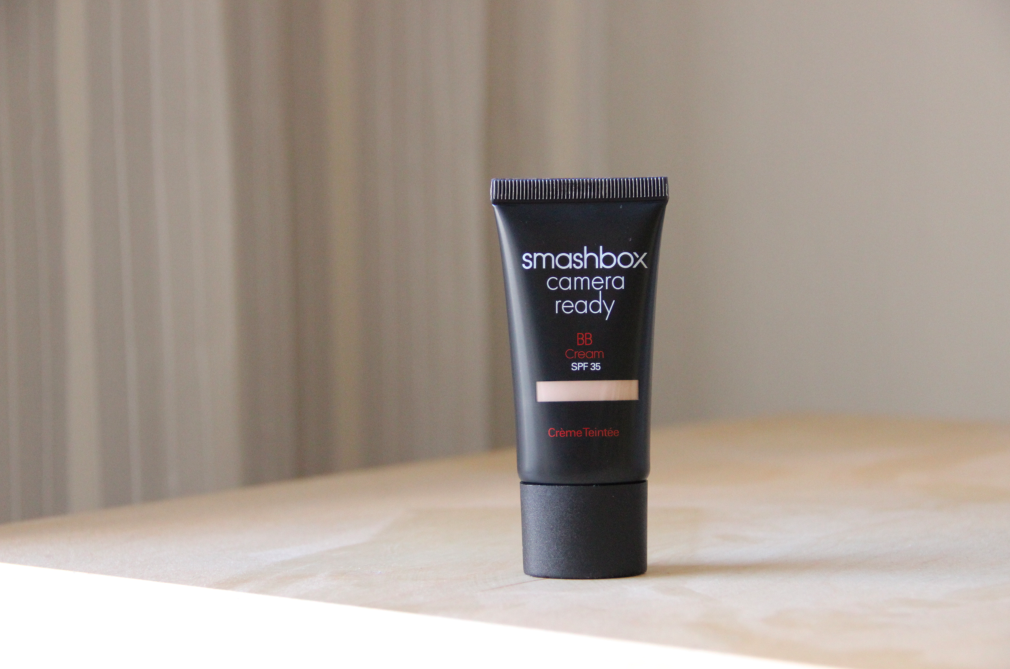 Může Camera Ready BB Cream SPF 35 od Smashbox nahradit make-up foundation?