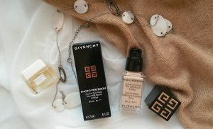 Givenchy SPF20 (2)